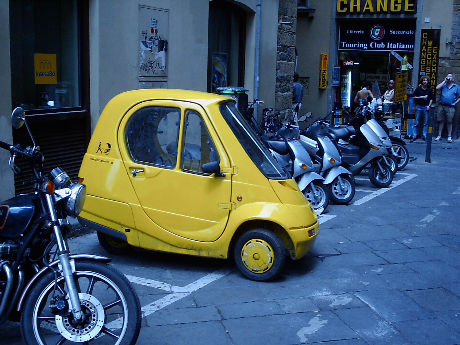 photos : Firenze : Firenze 2 : Tiny car!