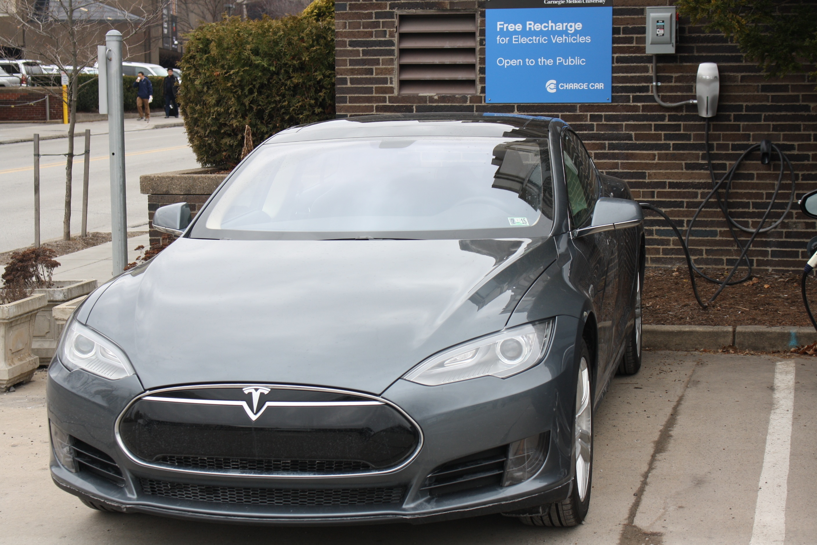 Carnegie Mellon S Electric Garage Adds Tesla High Power