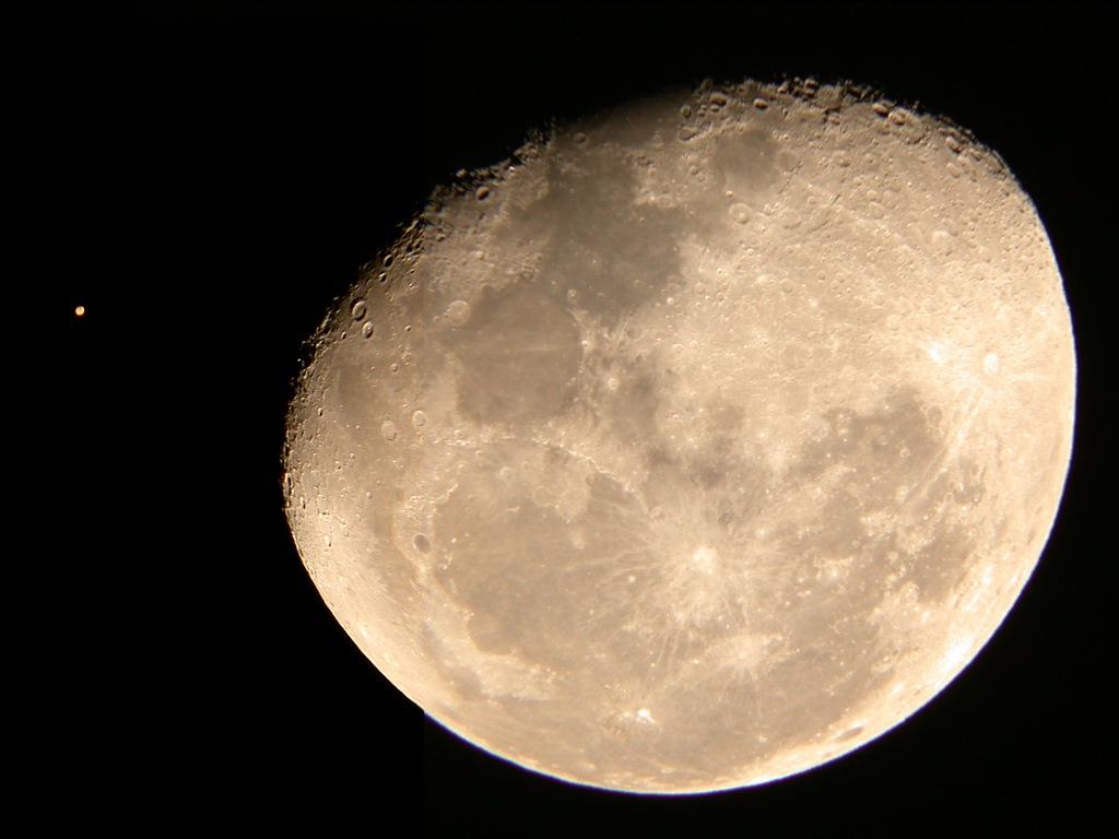 light beige planet mars - photo #9